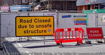 Road closed sign at Victoria Viaduct